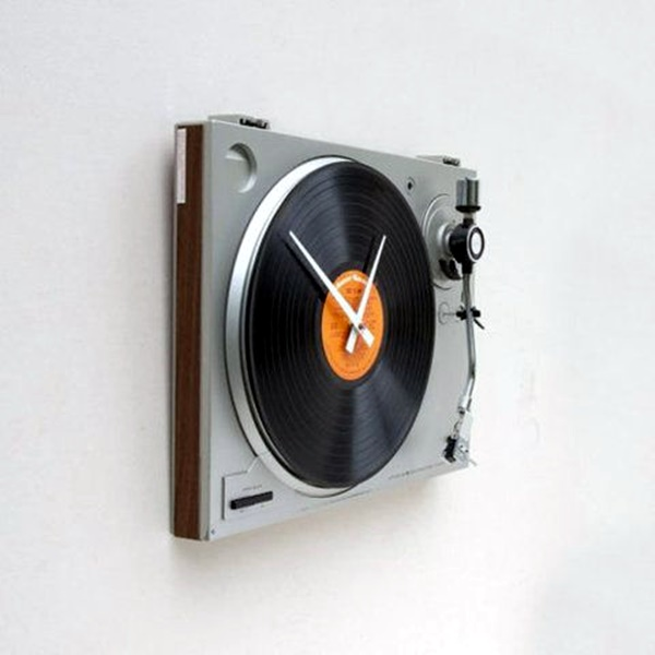 fabulas-wall-clocks-to-embrace-your-home-entrance-16