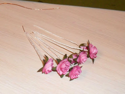 how-to-make-sprig-of-wild-roses-15