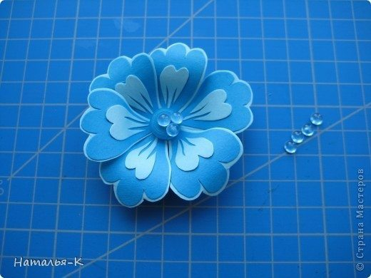 flowers-made-of-cardboard-10
