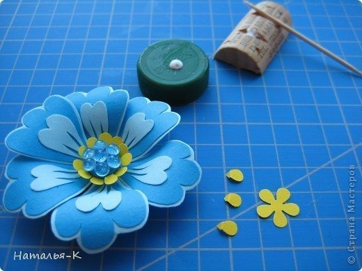 flowers-made-of-cardboard-11