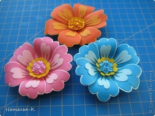flowers-made-of-cardboard-2