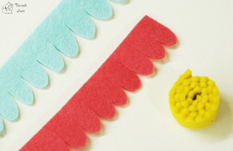 how-to-make-an-interior-letter-with-flowers-made-of-felt-18
