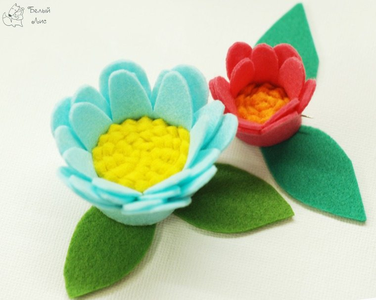 how-to-make-an-interior-letter-with-flowers-made-of-felt-19