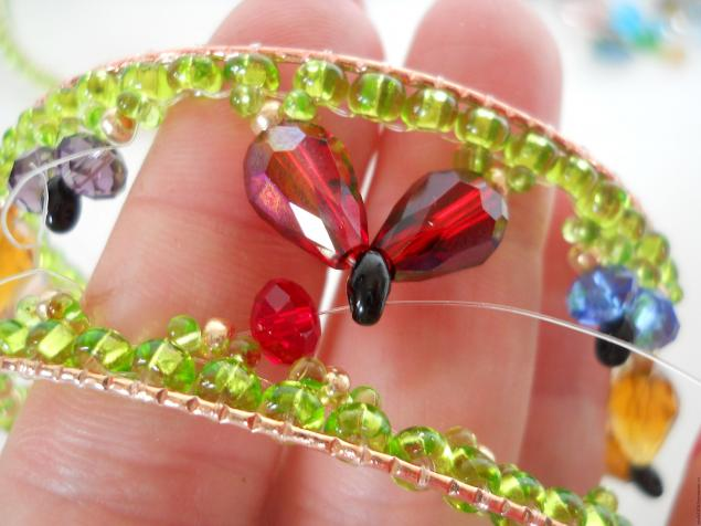 how-to-make-butterfly-bracelet-30