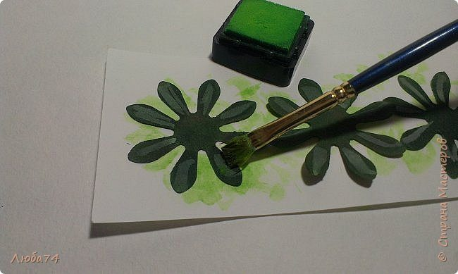 how-to-make-daisy-from-the-paper-for-scrapbooking-37