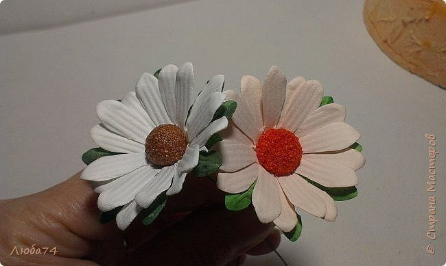 how-to-make-daisy-from-the-paper-for-scrapbooking-74