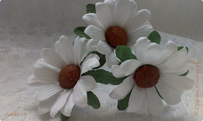 how-to-make-daisy-from-the-paper-for-scrapbooking-75