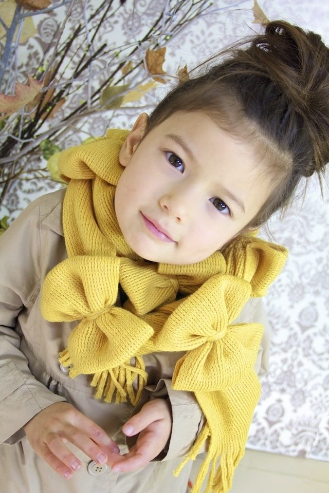 How-to-make-scarf-with-bows-3