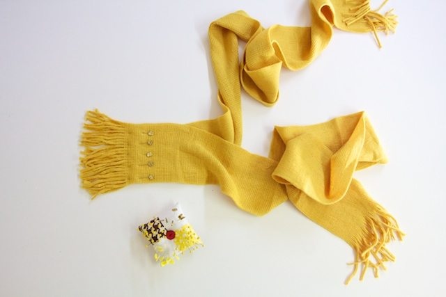 How-to-make-scarf-with-bows-4