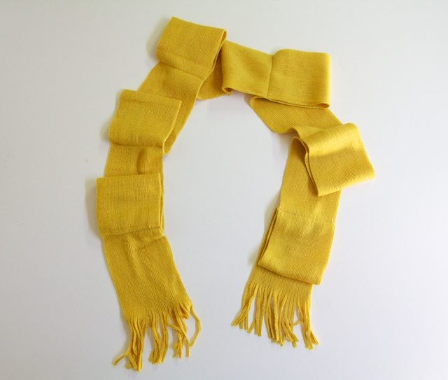 How-to-make-scarf-with-bows-6