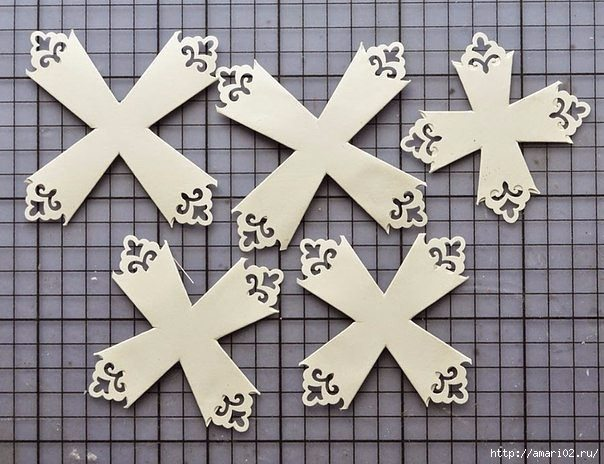 how-to-make-snowflakes-for-new-year-decoration-5