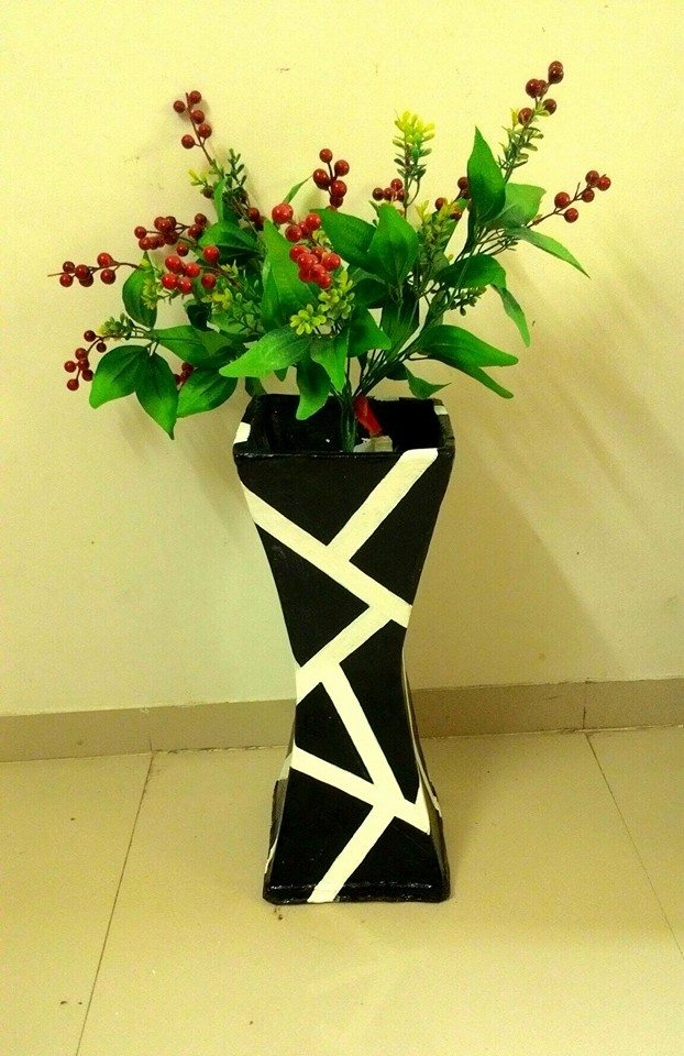 How to make vase from cardboard-2