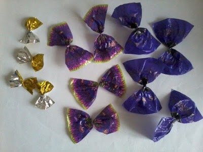 Making flowers from candy wrappers-5