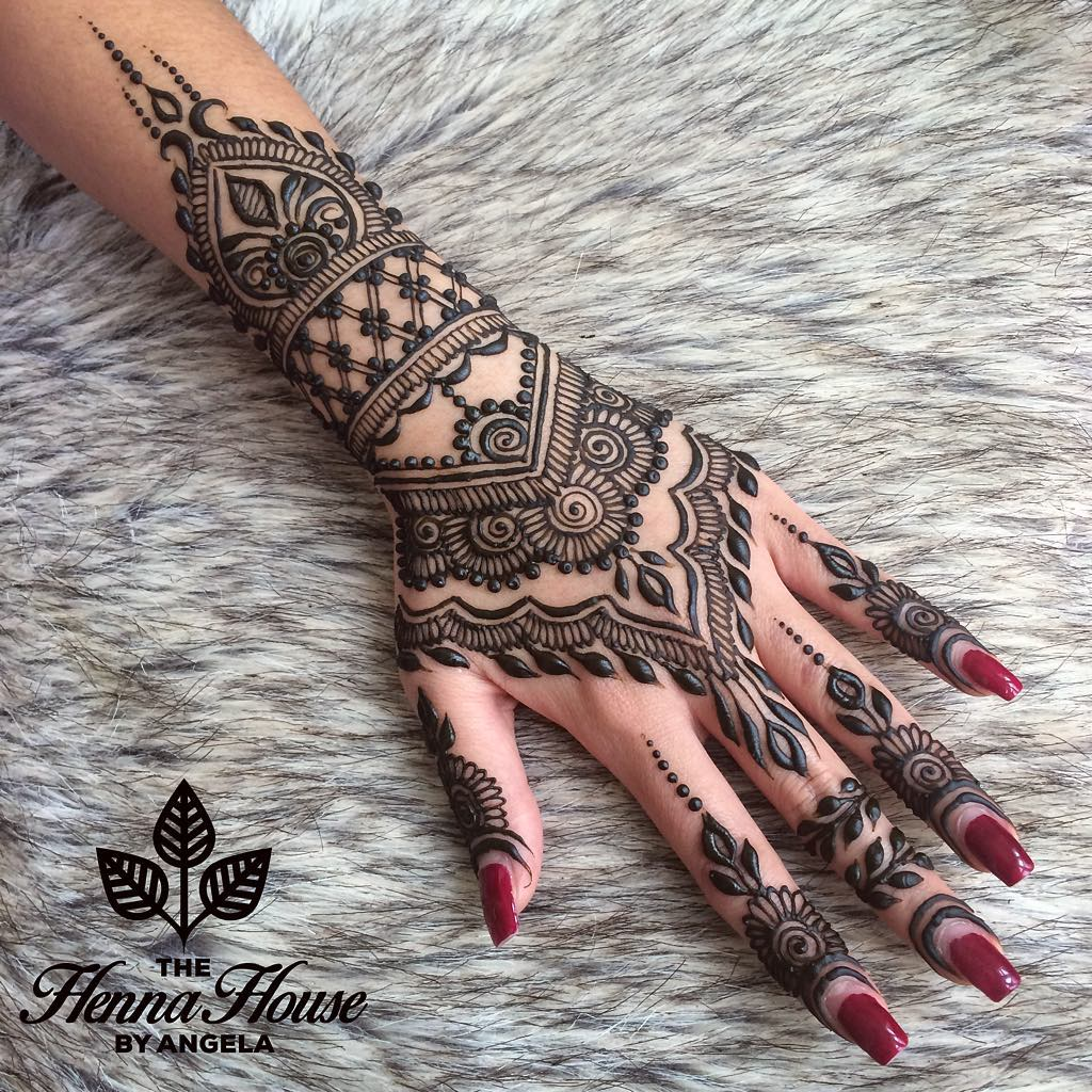 Mehndi Hairstyles: Stylish Mehendi Designs For Hands To Inspire You