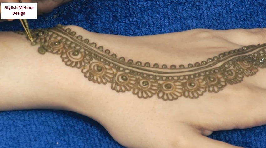 easy henna mehndi design for back hands