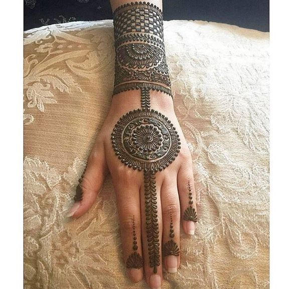 round henna designs  u2013 circle mehndi designs for hands